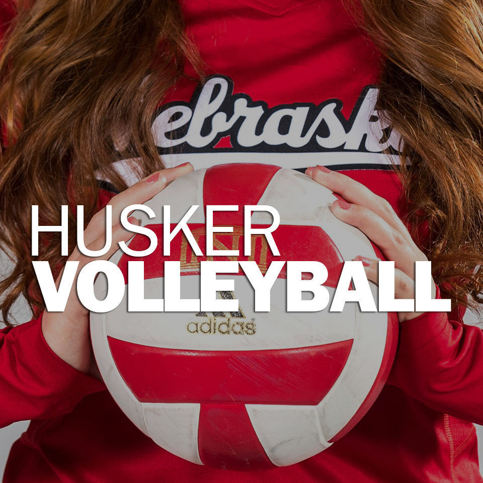 NU Volleyball Racks Up Perfect Weekend at Home
