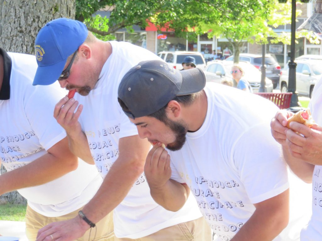 Broken Bow Hot Dog Eating Contest Winner Eats 12 Hot Dogs in 5 Minutes