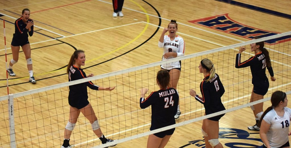 No. 7 Warriors Regroup, Escape Doane with Five-Set Victory