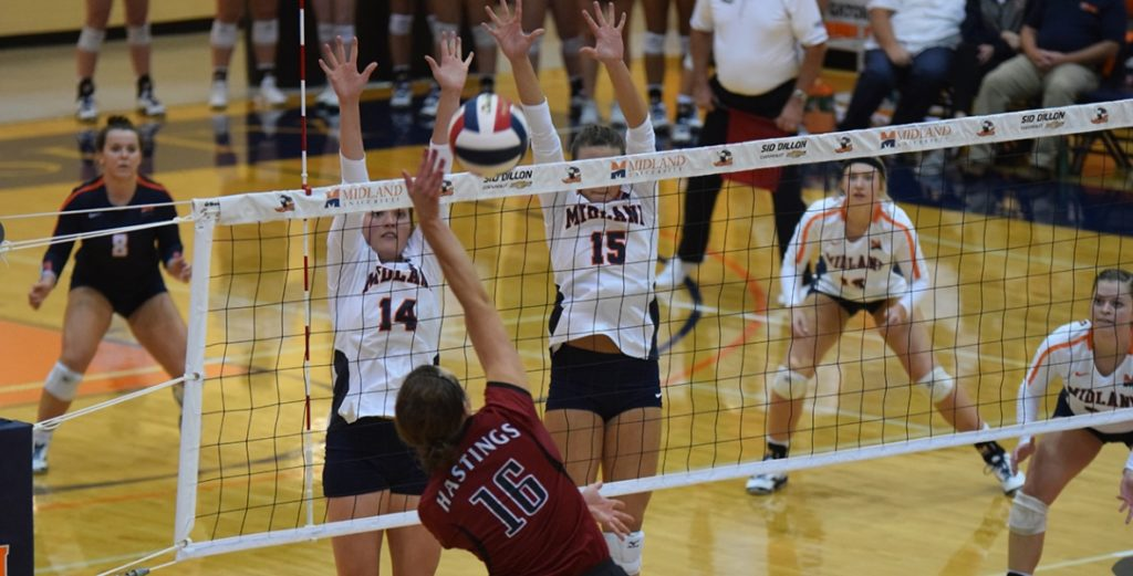No. 7 Lady Warriors Rally for Five-Set Victory over No. 13 Hastings
