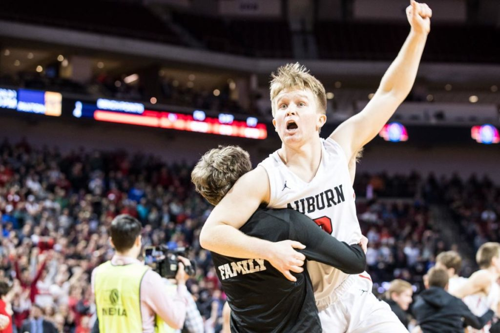 Back-to-back 3-pointers from Cam Binder gives Auburn first state championship in school history