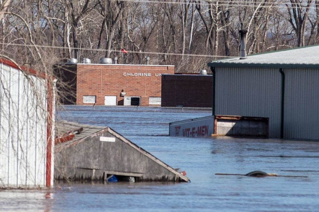 Flows from Gavins Point Dam decrease, but Missouri River below Omaha continues to gain