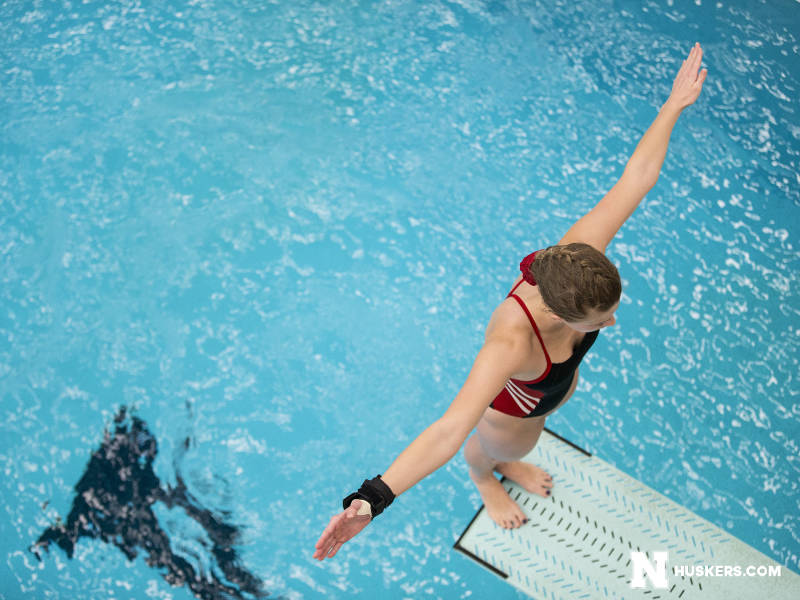 Knapton Qualifies for 3rd Straight Championship Dive