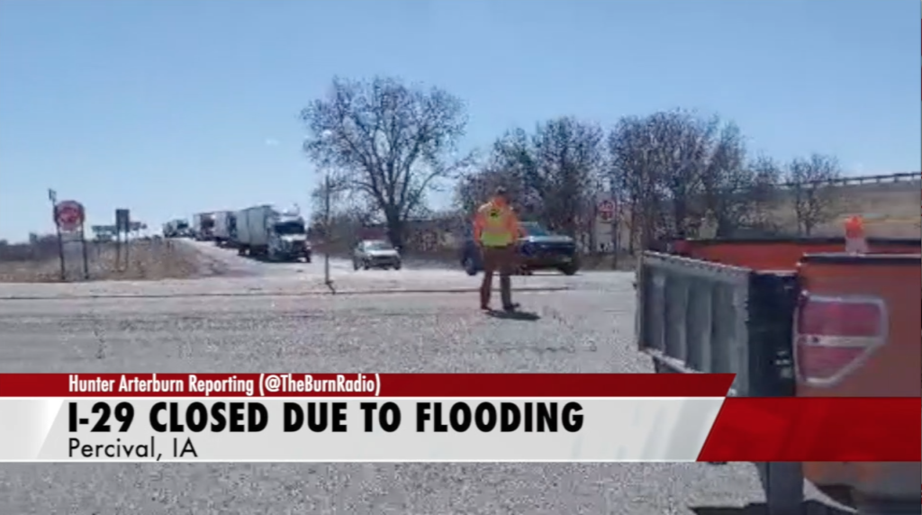 I-29 closed due to flooding; City of Peru looking for volunteers to fill sandbags