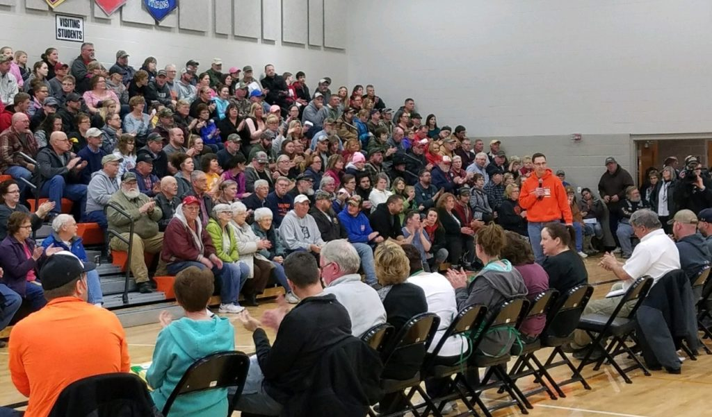 North Bend Residents Meet to Discuss Flood Effort Coordination, Distribute Information