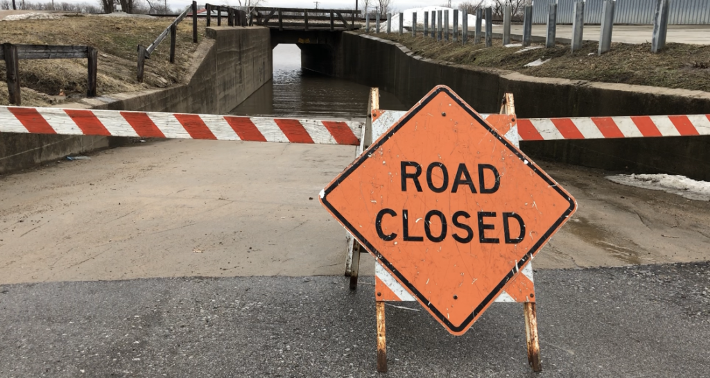 Record levels on the Missouri River, Interstate closures