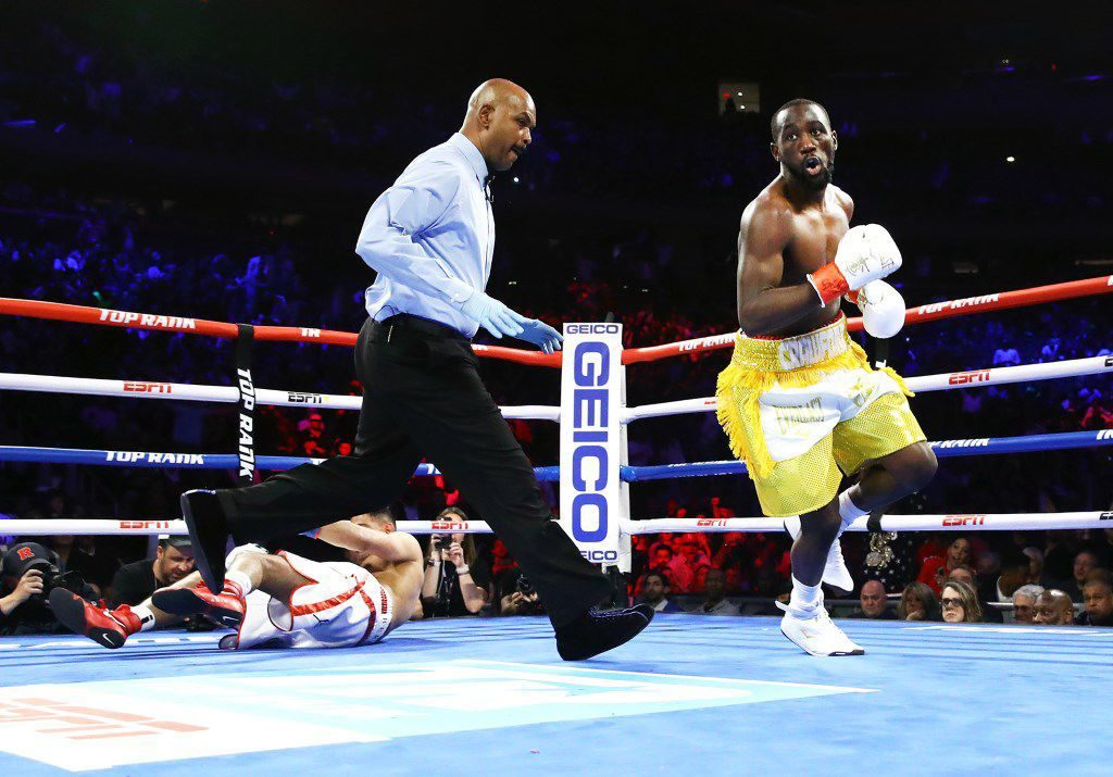Omaha's Terence 'Bud' Crawford scores unconventional TKO against Amir Khan