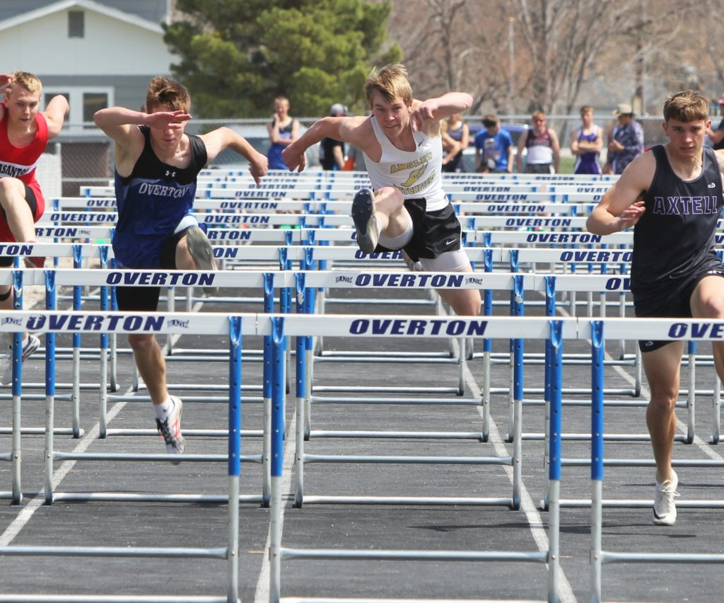 Area Athletes Give Strong Performances at Overton Track Invite