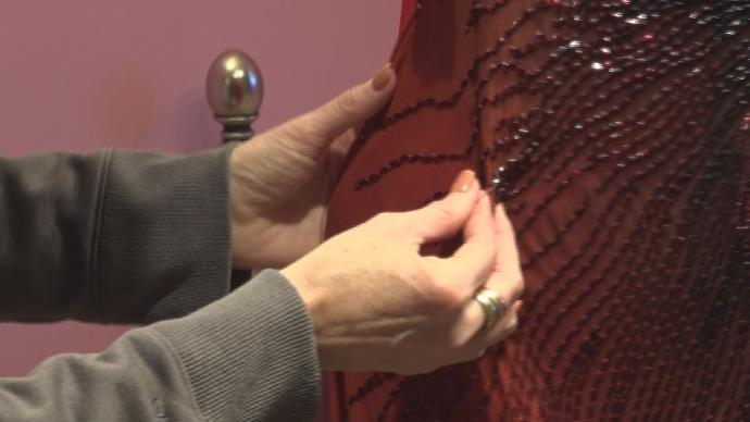 Palmyra woman rents out prom dresses to flood victims free of charge