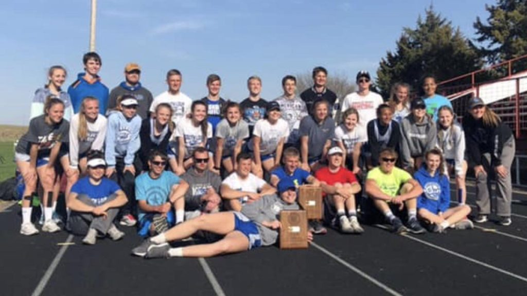 South Loup Claims Both Boys and Girls Team Titles at MNAC Championships