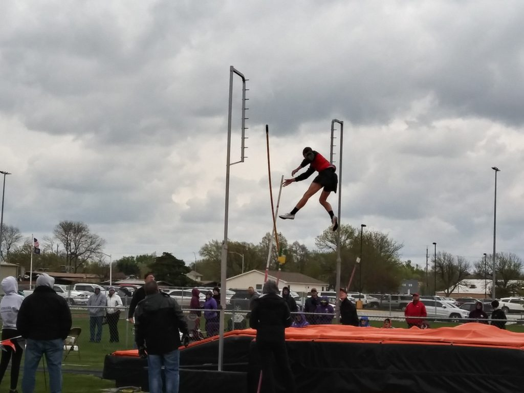 Broken Bow Qualifies Six for State Track Championships