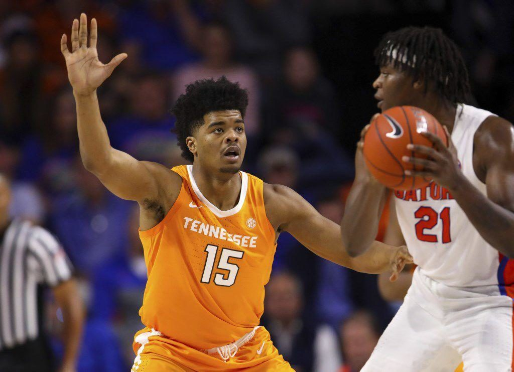 Nebraska basketball adds transfer forward Derrick Walker from Tennessee