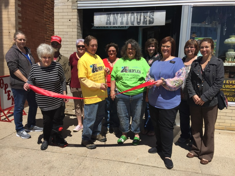 """Earthjunk"" used Furniture Retailer Joins Broken Bow Chamber"