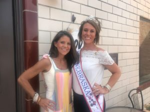 Rustic Patch Expands to Broken Bow--Mrs. Nebraska Cuts Ribbon with Cousin/Business Owner