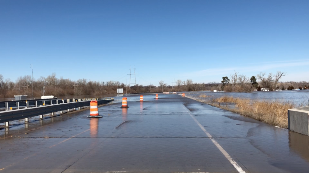 Repairs continue on U.S. Highway 75 south of U.S. 34
