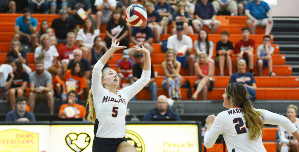 No. 8 Lady Warriors Take Care of Panthers in Straight Sets