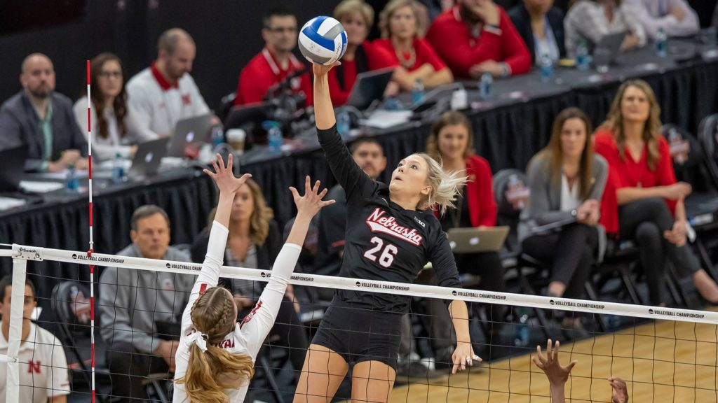 Huskers Ranked 2nd in AVCA Preseason Poll