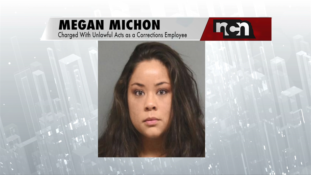 Woman accused of smuggling cellphones, drugs to inmate