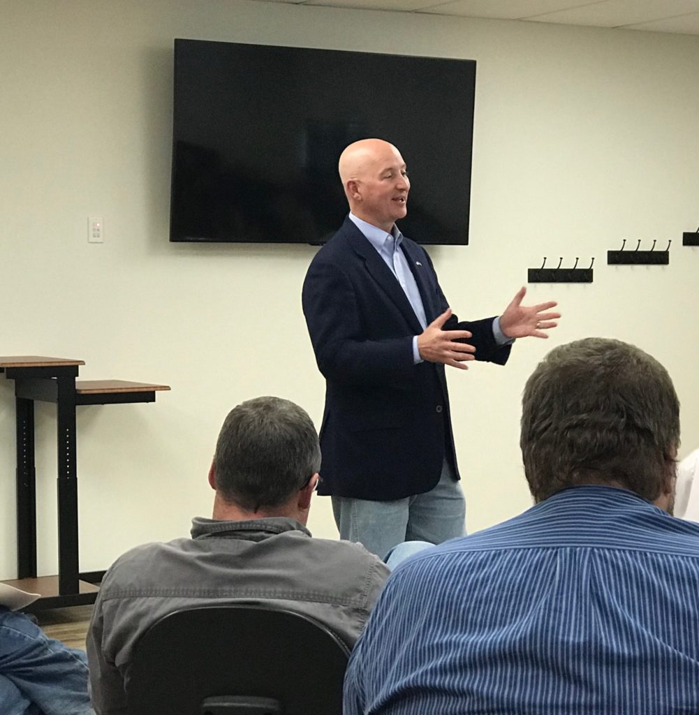 Gov. Ricketts Meets with Concerned Thedford Residents