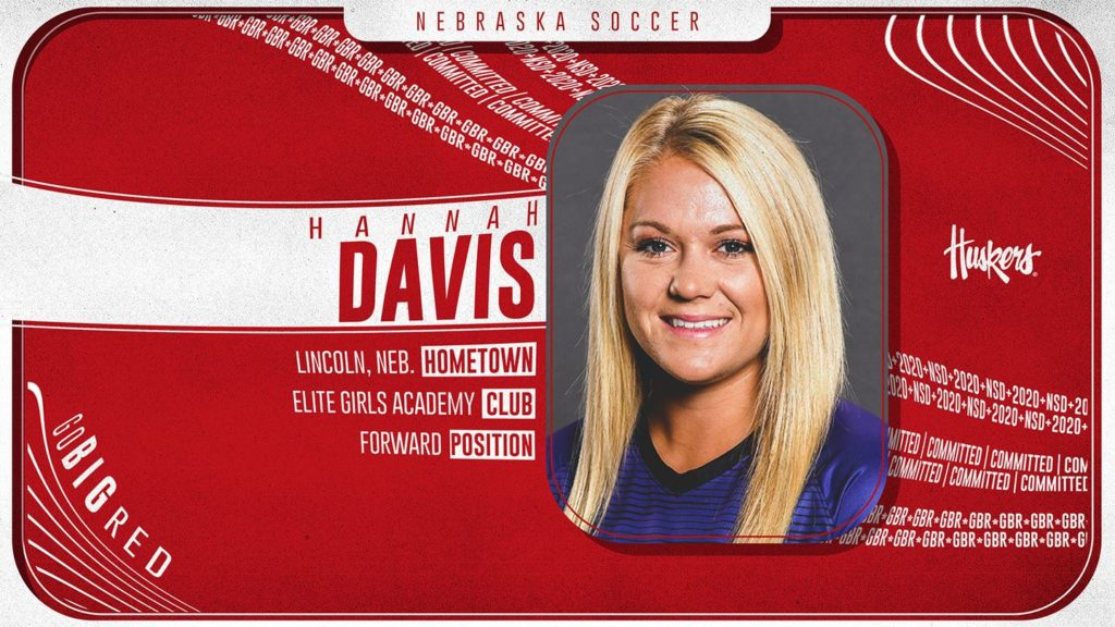 Davis Transfers to Nebraska Soccer Team