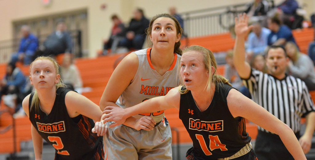 Lady Warriors Earn Second Straight Win; Defeat Pesky Tigers