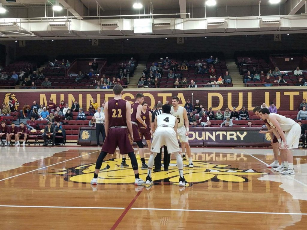 Minnesota Duluth Hands Wayne State Women, Men Road Losses
