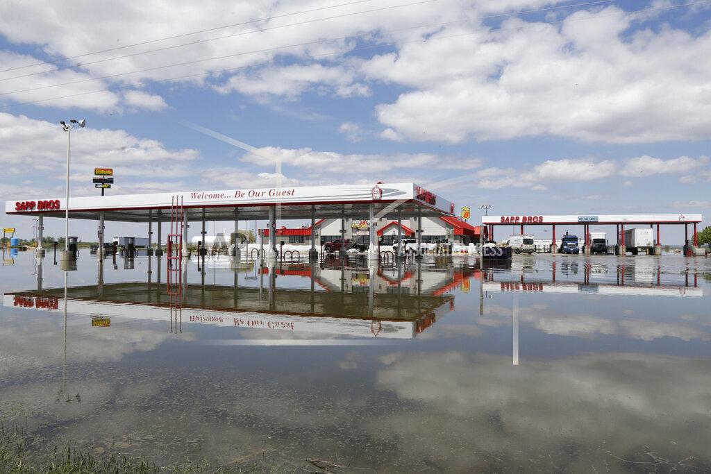 Senators urge changes to reduce Missouri River flooding