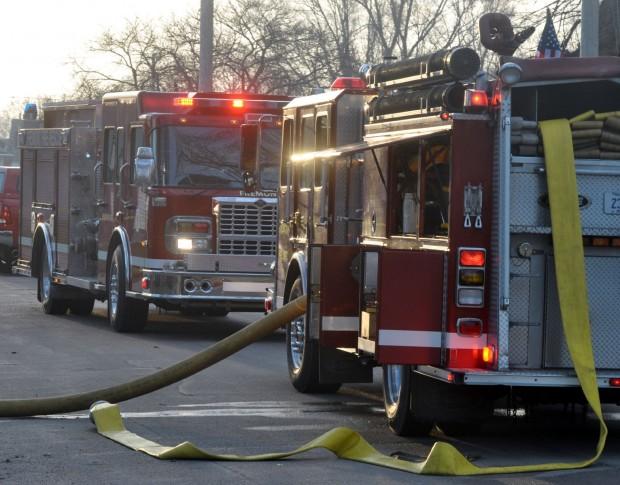 Fremont Fire Dept Responds to Applebee's Late Night Blaze