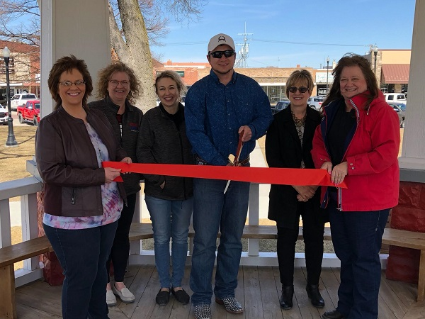 """""""Big Or Small We Do It All"""" Computer All-Around Joins Broken Bow Chamber Of Commerce"""