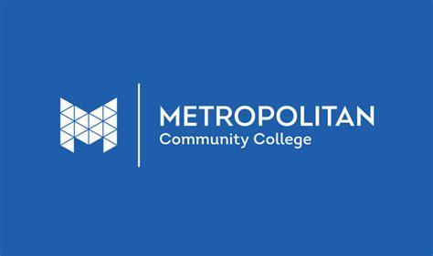 Metro Community College's Prototype Design Lab Now Making Facemasks for Nebraska Med Doctors