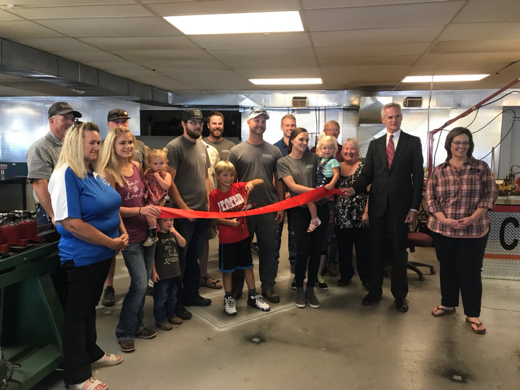 4 County Heating & Air, LLC Cuts Ribbon and Joins BB & Callaway Chambers