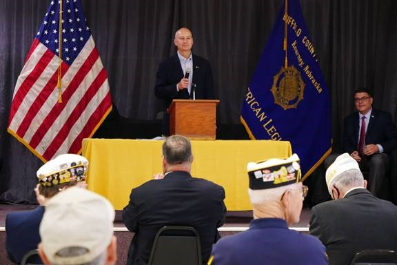 Gov. Ricketts Signs Legislation for Tax Relief on Military Retirement Pay