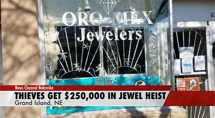 Thieves Get $250,000 In Jewels From Grand Island Store