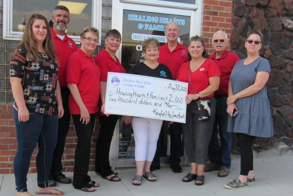 Broken Bow Elks Lodge Donates to Healing Hearts & Families