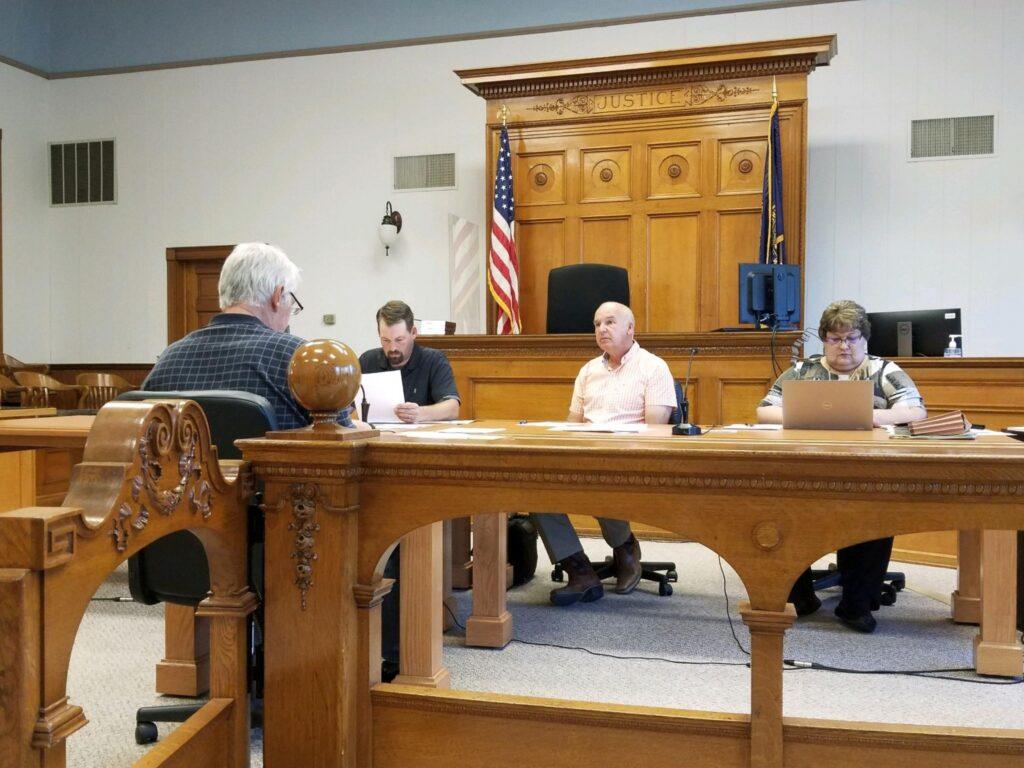 Skid Loader, Motor Grader Bids Accepted During Commissioners Meeting