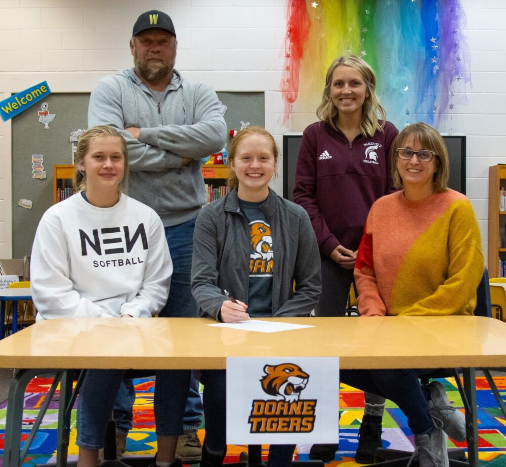 Ekberg Signs With Doane Volleyball