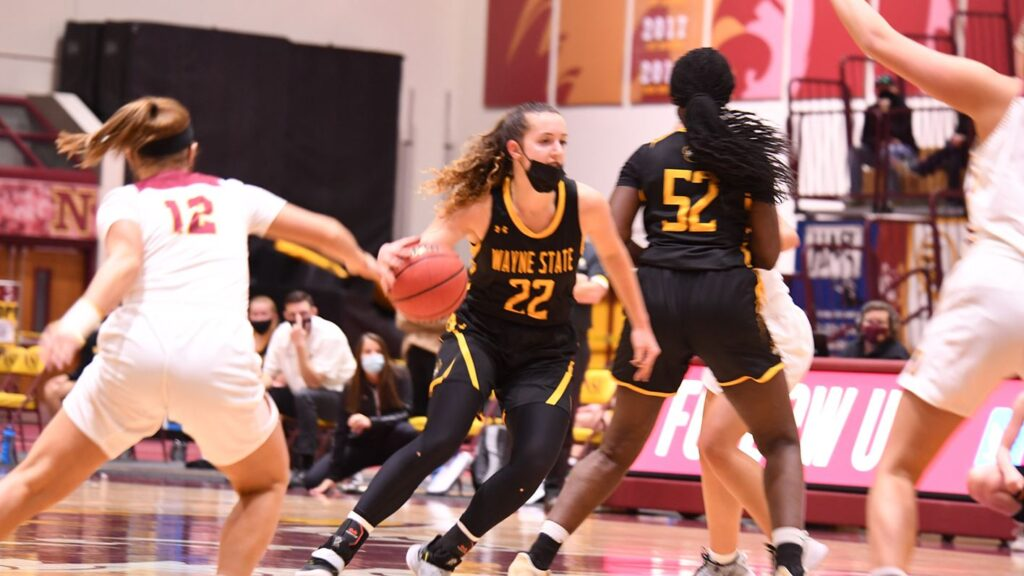 40-Point Second Half Not Enough For Wayne State Women, Wildcats Begin Season 0-1