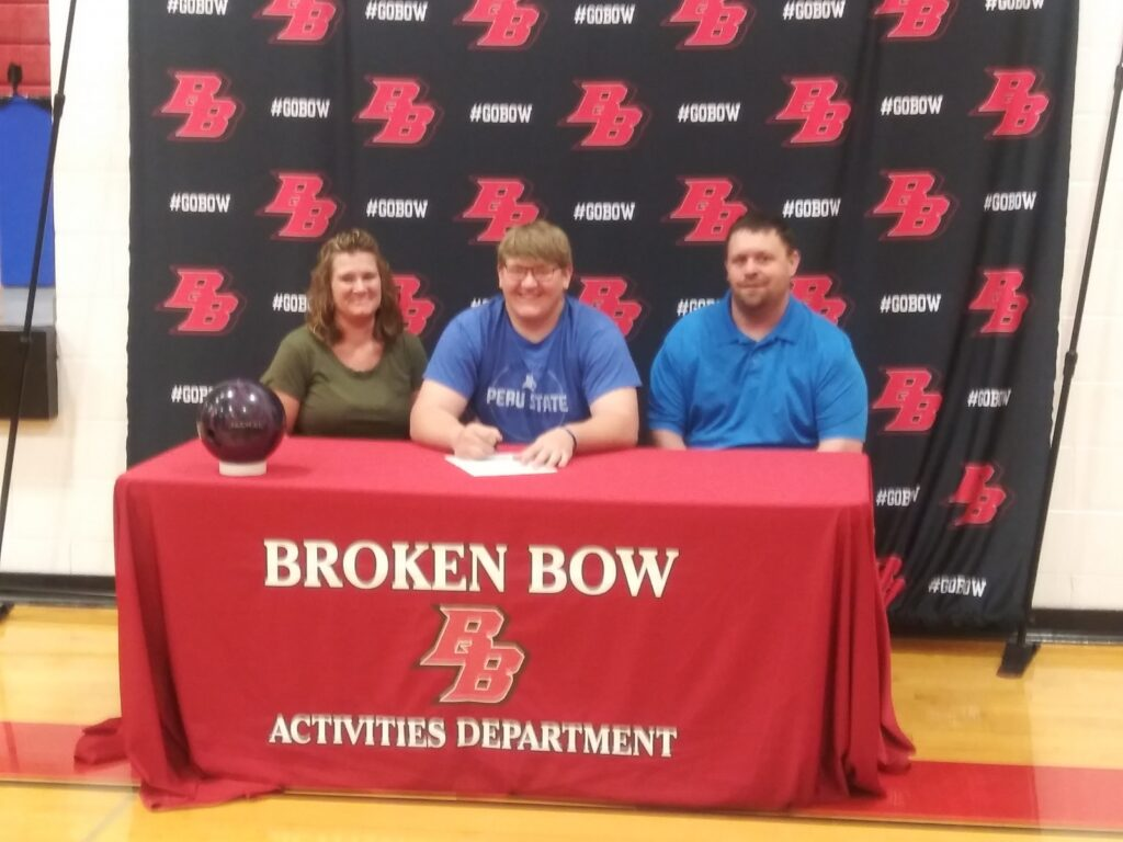 Wyatt Woodward Signs Letter of Intent to Bowl for Peru State College