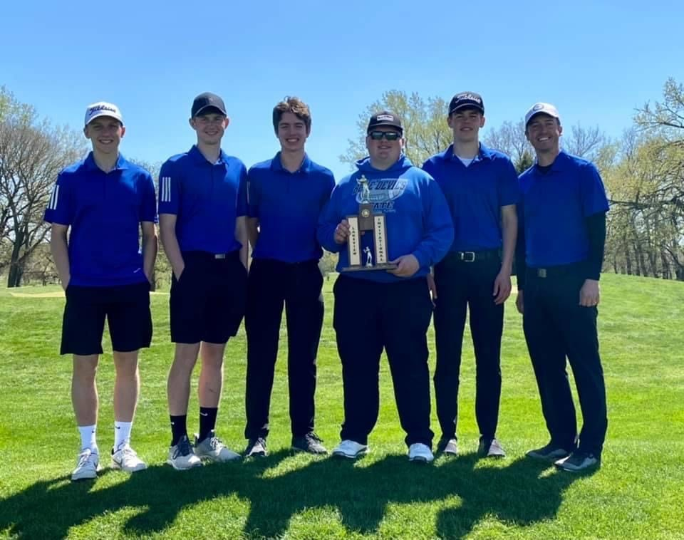 WHS Boys Golf Places Fourth, Walling Brings Home Third Place Medal