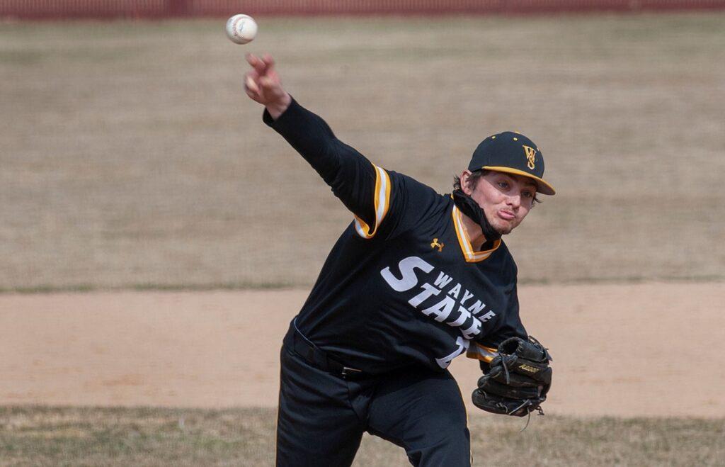 WSC Baseball Splits At Bemidji State
