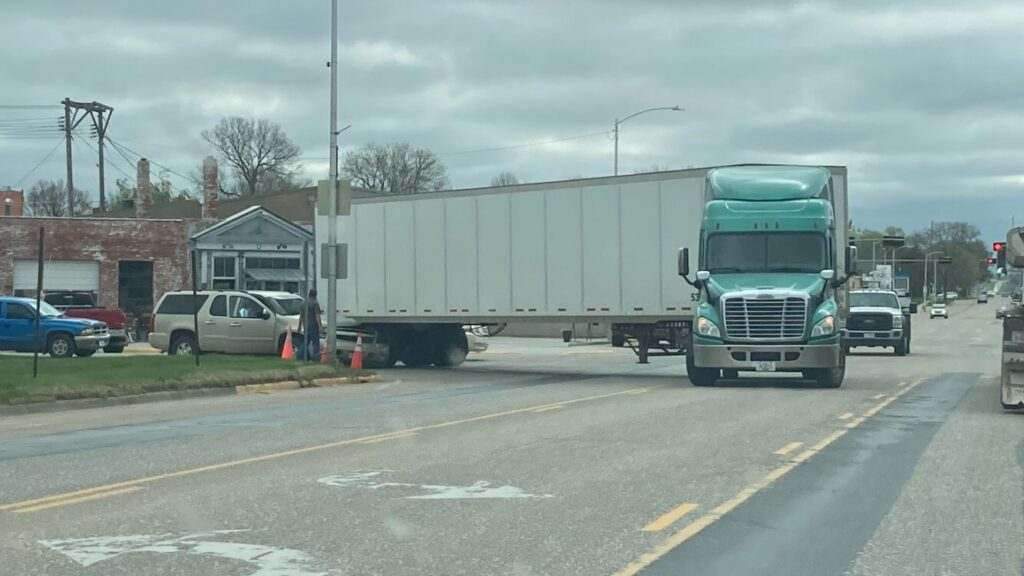 No Injuries Reported in Monday Morning Accident