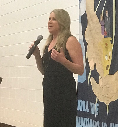 Kim Penny Inspires Audience at Arcadia Family Banquet