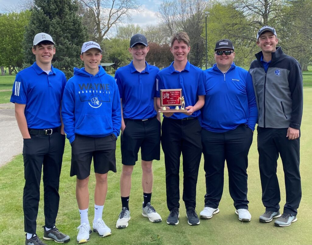 Blue Devil Boys Golf Finishes Season With Runner-Up Trophy