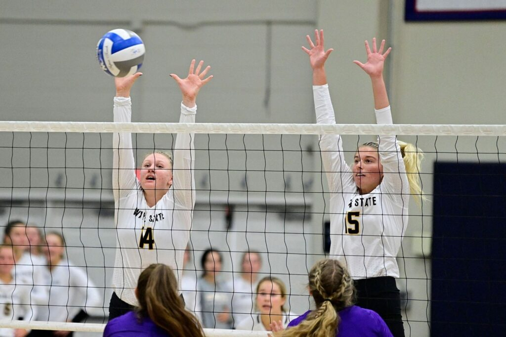 Wildcat Volleyball Finished Weekend 9-0 In Sets Played