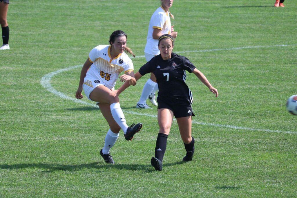 Wildcat Women's Soccer Drops Sunday Afternoon Match, Allow Four Second Half Goals